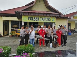 Polsek Tapung Bersama Dinkes Kampar, Fogging Lingkungan Mako, Pemukiman Warga