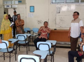 Rektor Prof. Syafrinaldi Tinjau Pelaksanaan UAS Mahasiswa UIR