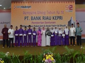 Sempena HUT 52 Bank Riau Kepri Berikan Santunan Kepada 1115 Anak Yatim