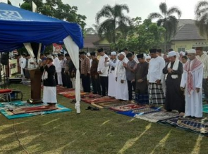 Shalat Idul Adha di Halaman Mapolres Kampar, Khatib Pimpin Doa Minta Hujan
