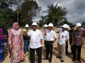 Tinjau Tol Pekanbaru-Dumai, Plt Gubernur Riau: Masalahnya Tinggal yang 12 Hektare
