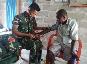 Peringati HUT Yonif 132/BS, Tingkatkan Kesehatan Masyarakat Perbatasan