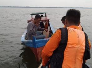 Akibat Mati Mesin Kapal Terombang Ambing di Perairan Bengkalis.