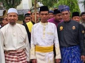 UAS Dapat Gelar Adat, Datuk Seri Ulama Setia Negara Dari LAM Riau
