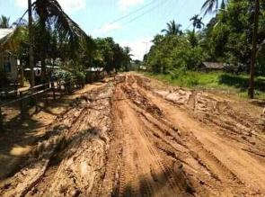 Jalan rusak parah, Ratusan Warga Desa di Kabupaten Kampar Nyaris Terisolir