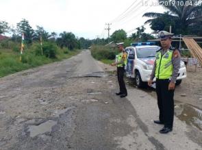 Kasat Lantas Polres Kampar Lakukan Survei Jalan Rusak
