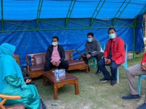 Ketua DPD PDI Perjuangan Riau Tinjau Posko Siaga Covid-19 di Desa-desa