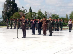 Kapolres Kampar Pimpin Upacara Ziarah Hari Pahlawan di TMP Kusuma Eka Bakti Bangkinang