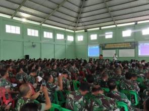 Asah Kemampuan menulis berita, Babinsa di latih Jurnalistik di Makodim 0313/Kpr
