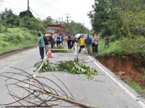 Bahu Jalan di Km 91 Lintas Riau - Sumbar Amblas, Kapolres Kampar Minta Pihak Terkait Segera Lakukan