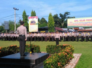 Kapolres Kampar Pimpin Apel Gelar Pasukan untuk Pengamanan Pilkades Serentak