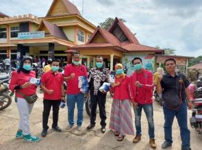 DPC PDI Perjuangan INHU Bagikan Ribuan Masker Gratis ke Masyarakat.