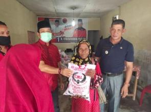 H-1 Ramadhan, H. Syafaruddin Poti, SH Bagikan 2 Ton Beras Kepada Masyarakat terkena Dampak Covid-19