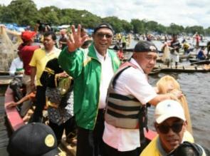 Gubernur dan Bupati Kampar Hadiri Acara Maawuo Danau Bokuok.