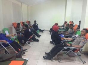 Personil Polresta Pekanbaru Meriahkan HJK Dengan Ikut Mendonor Darah