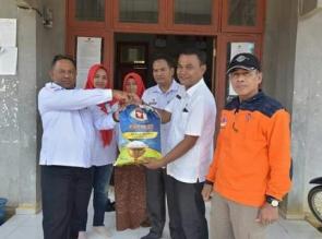 Pemkab dan PMI Salurkan Bantuan Banjir Ke Kampar Kiri