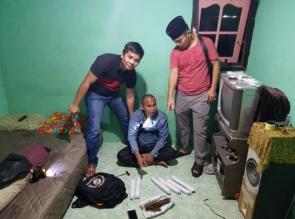 Sembunyi dirumah Tetangganya, Gembong Narkoba ini Diringkus Polsek Tapung Hilir