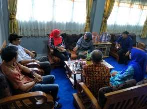 Perpustakaan Siswa Pintar Terima Kunjungan Tim Konsultan Perpusnas