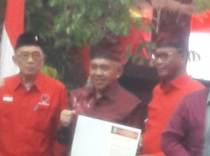 Arah Berubah, PDIP Resmi Usung Andi Rahman - Suyatno Di Pilgubri 2018