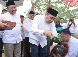 Sambut Ramadhan 1440 H/2019 H, Gubernur Riau Hadiri Balimau Kasai di Kampar.