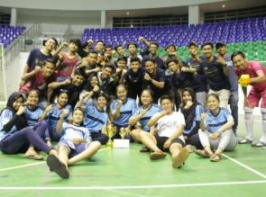 Tim Futsal UIR Boyong Dua Piala di Turnamen SPECS