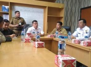 Komisi II DPRD Kampar Hearing dengan BNK Kampar, Kabag Kesra dan Dinsos