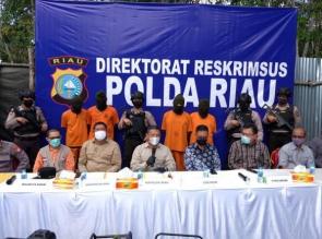 Empat Orang Sindikat Penyulingan Minyak Illegal yang Beroperasi di Dumai Diringkus Polda Riau