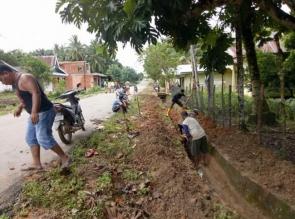Wujudkan Program Bupati Kampar, Pemerintah Desa Pongkai Adakan Goro Bersihkan Kampung