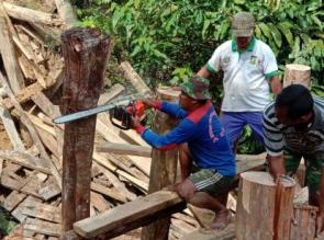 Masyarakat Sangat Antusias Membantu Percepatan TMMD 105 di Desa Balung