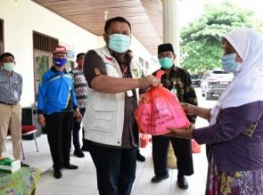 Baznas Salurkan 10.000 Paket Sembako Non Beras di Kampar