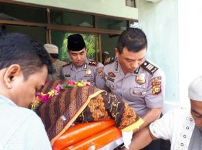 Polresta Pekanbaru Ucapkan Duka tas Meninggalnya Orang Tua Dari Luzi Diaman