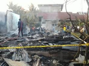 Dua Unit Rumah Hangus Dilalap Si Jago Merah