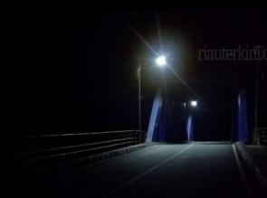 Warga Bengkalis Sayangkan Lampu Penerangan Jembatan Banyak Padam