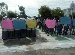 Ratusan Murid MAN 1 Rohil Gelar Aksi Lanjutan Tuntut Kepala Sekolah Dicopot Dikantor Kemenag