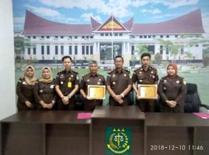 Kejaksaan Negeri Kampar Raih 2 Penghargaan Dari Kejati Riau