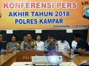 Konferensi Pers Akhir Tahun, Kapolres Kampar Jelaskan Selama 2018 Jumlah Kejahatan Turun