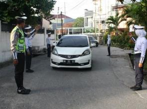 Tim Patroli Keamanan Sekolah (PKS) SMP Kemala Bhayangkari, Atur Lalu Lintas Pagi Hari