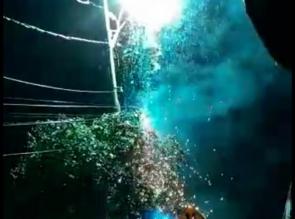 Breaking News, Kabel PLN Terbakar, Warga Kampung Godang Histeris
