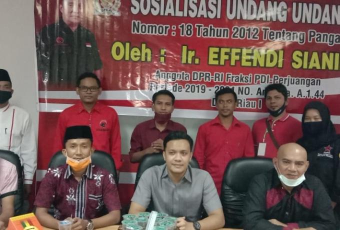 DPR-RI Fraksi PDI Perjuangan Effendi Sianipar Sosialisasi UUD Tentang Pangan