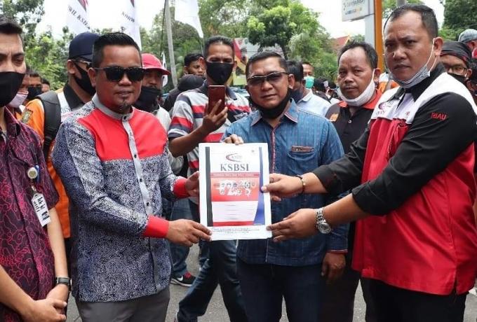 Wakil Ketua DPRD Riau H. Zukri Siap Perjuangkan Kesejahteraan Buruh