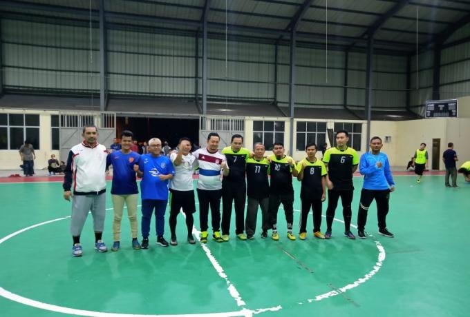 Dimalam Kemerdekaan, Komisi V DPR-RI Adakan Eksibisi Futsal Dengan Dewan Dakwah Kampar