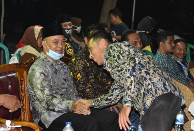 Berkunjung ke Desa Teluk Kenidai, Warga Curhat ke Ketua DPRD Kampar