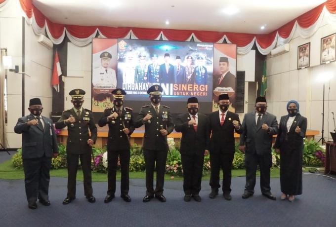 Peringatan HUT Ke 75 TNI, Kodim 0313/KPR Gelar Upacara Virtual di Balai Bupati Kampar