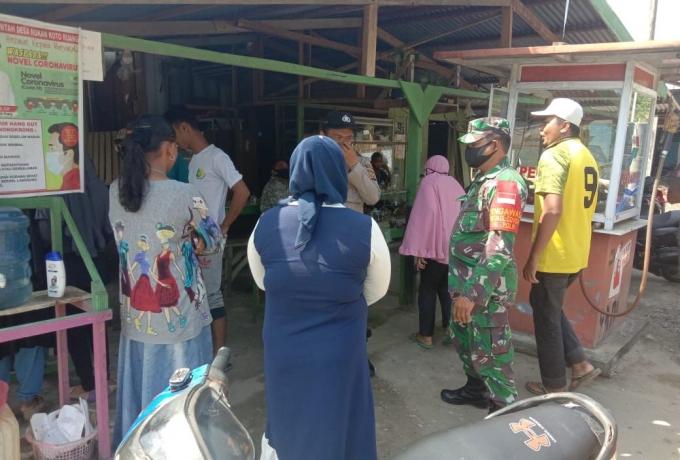 Oprasi Yustisi Di Tingkatkan, Koramil 13/Rokan Bersama Upika Rokan IV Koto Himbau Pedagang Kaki Lima