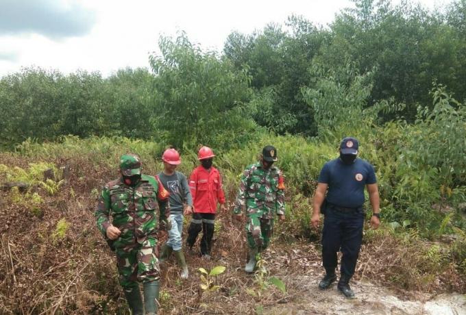 Babinsa Koramil 04/Pkl Kuras Bersama MPA Tingkatkan Patroli Karhutla