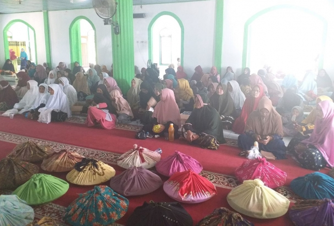 Perkuat Silaturahmi, Babinsa dan Bhabinkamtibmas Hadiri Maulid Nabi Muhammad SAW 1442 Hijriah