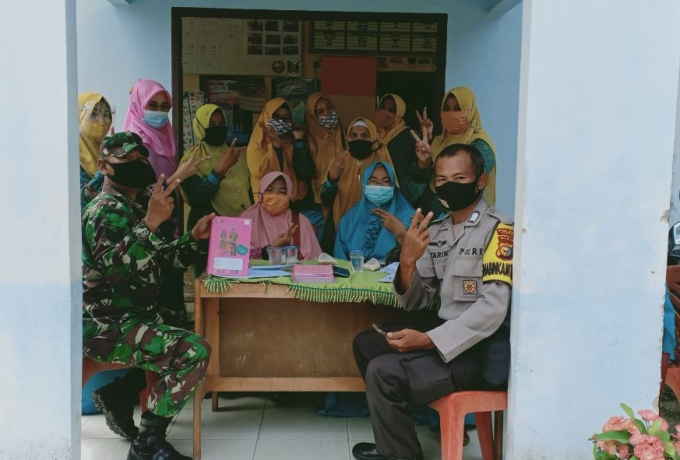 Babinsa Koramil 01/Bkn Hadiri Rapat Pokja Kampung KB