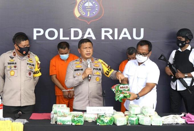 Tim Harimau Kampar Sikat Bandar Narkoba, 2 Pelaku dan 20 Kg Shabu Diamankan, 2 Pelaku Lain Meninggal