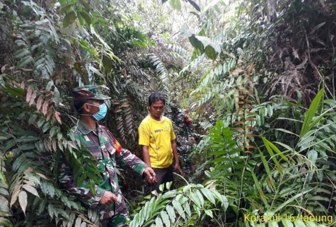Babinsa Koramil 16/Tapung Tidak Longgar dalam Kewaspadaan Karhutla Walau Musim Hujan
