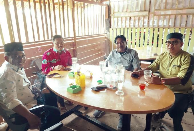 Hari Jumat, Ketua DPD ll Golkar Kampar Adakan Temu Kangen Di Pondok Dapu Kupie Aceh